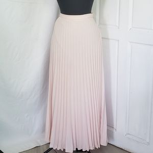 Pleated light Pink maxi Skirt